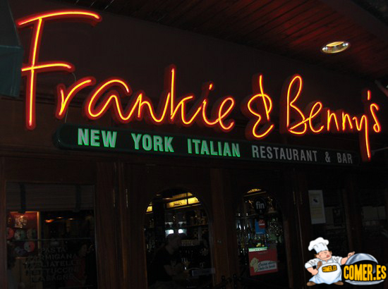 frankieBennys FRANKIE &amp;   BENNYS